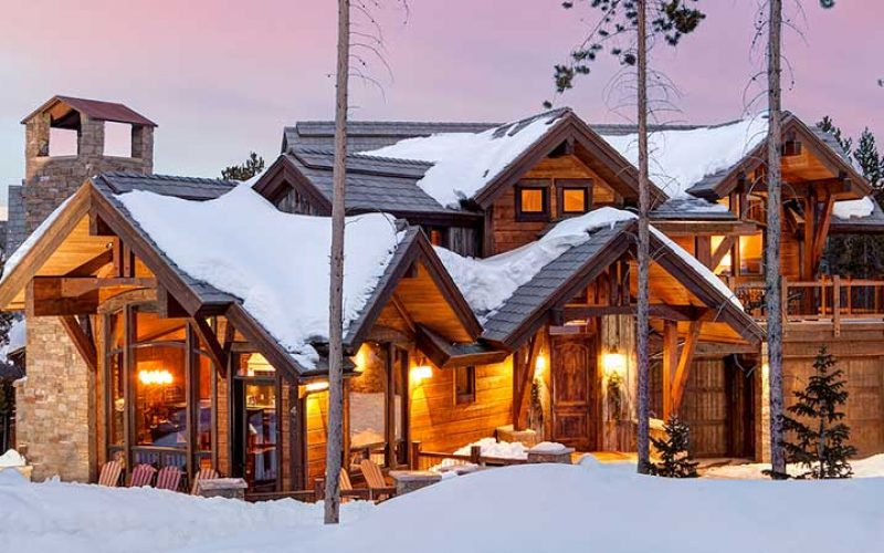 Large, warmly lit cabin for rent in Breckenridge.